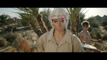 Peaches – Rub (Video)